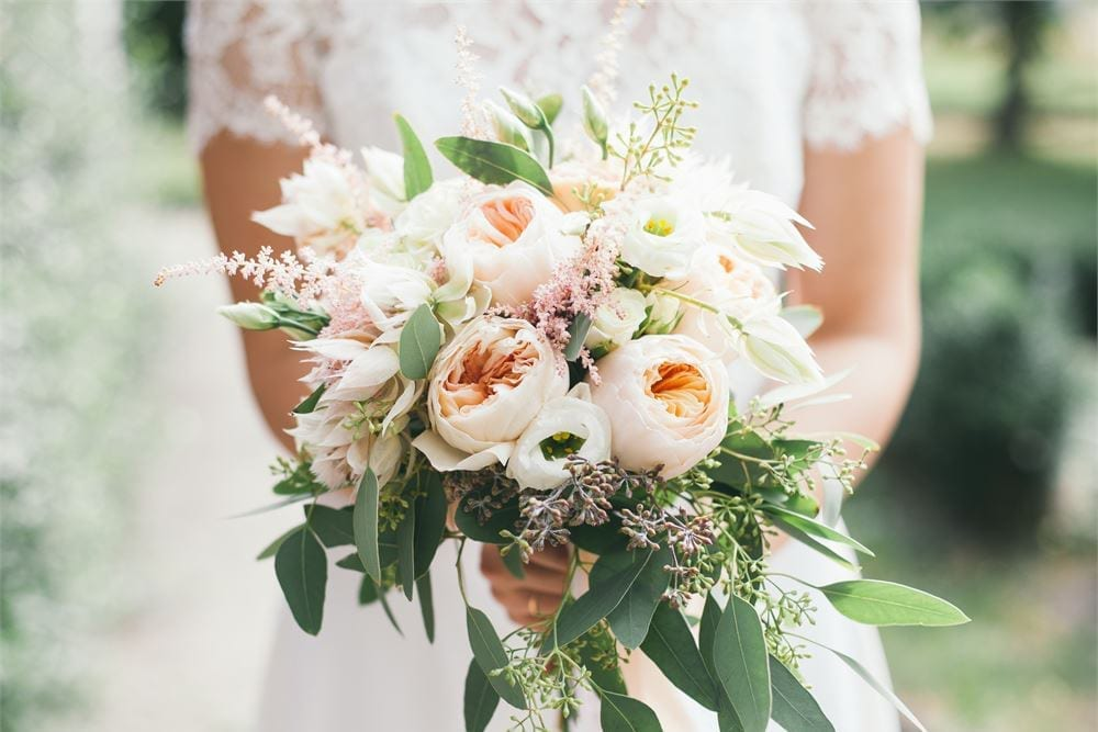 How to Choose Your Wedding Flowers | Hitched